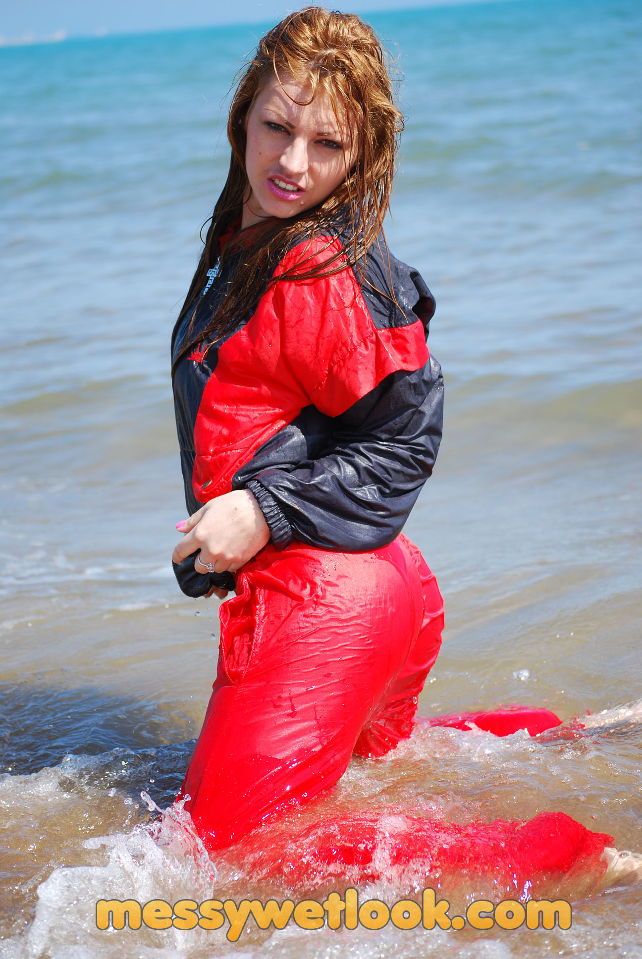WETLOOK IN RED SHINY TRACKSUIT AT THE BEACH | MW-24